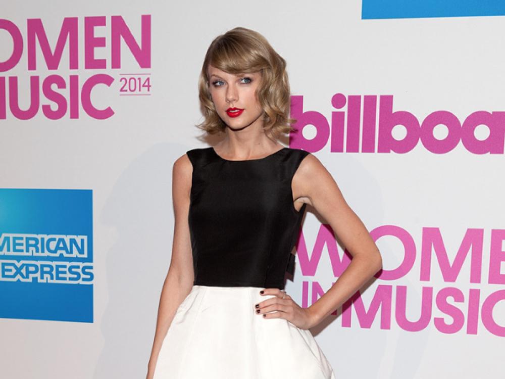 "Taylor Swift is Billboard's Women In Music ""Woman Of The Year"""