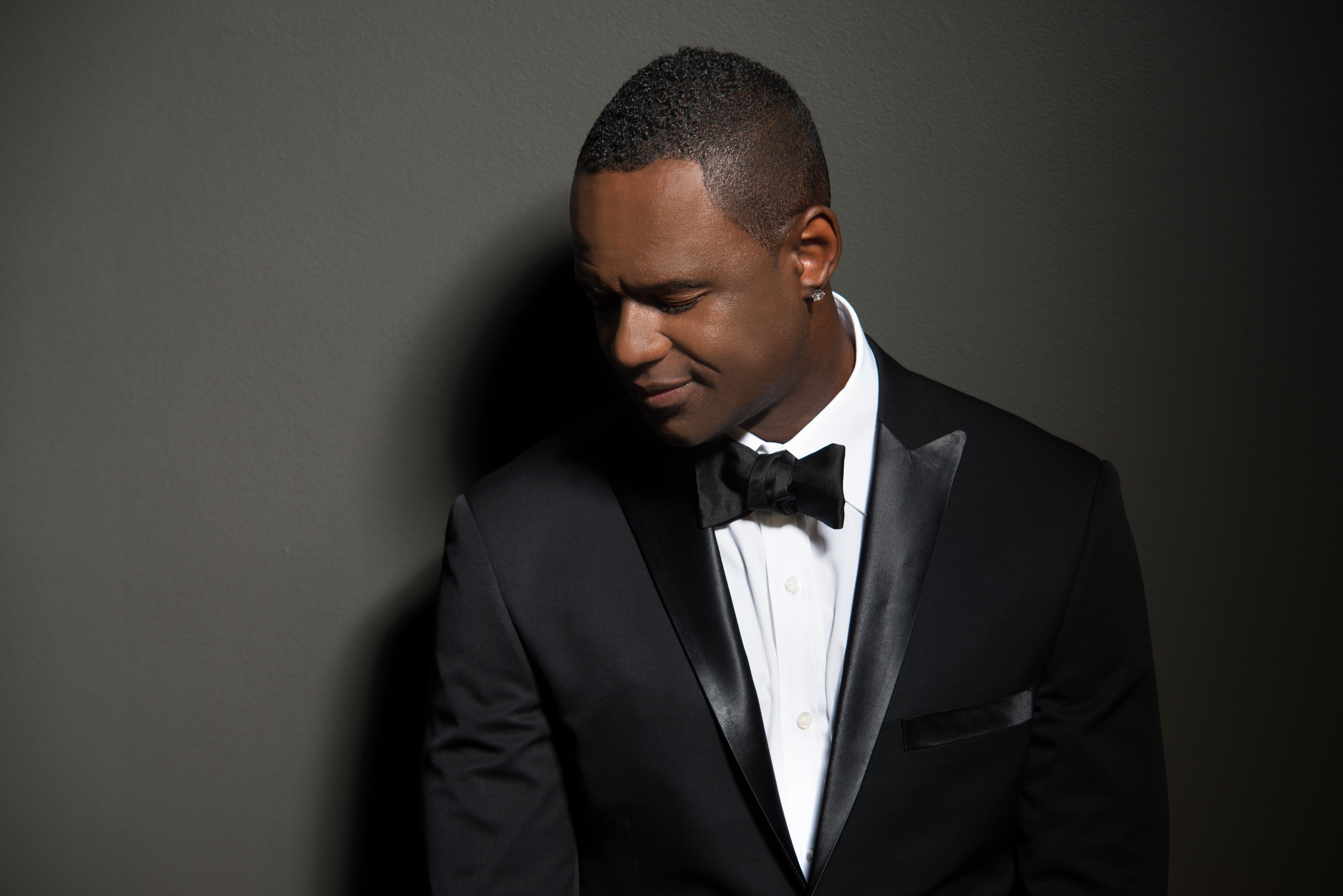 Watch The Performance That Made Brian McKnight The Top Trending Topic In The United States
