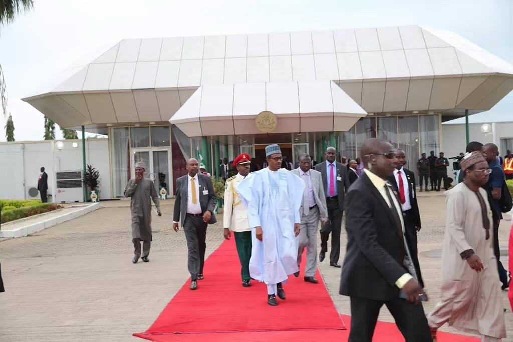 PHOTOS: President Buhari Heads to Benin Republic To Discuss Boko Haram